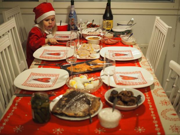 Jouluruoka katettu
