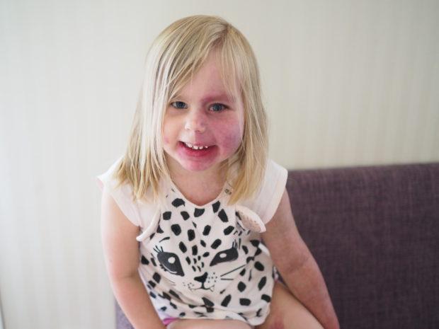 Amalia hymyillee