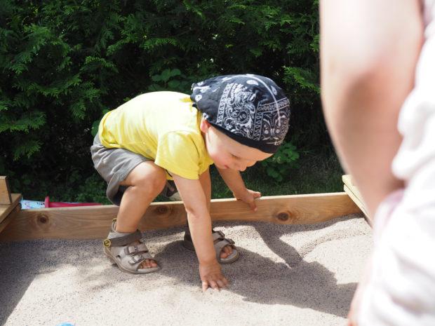 Milo ja uusi hiekkalaatikko
