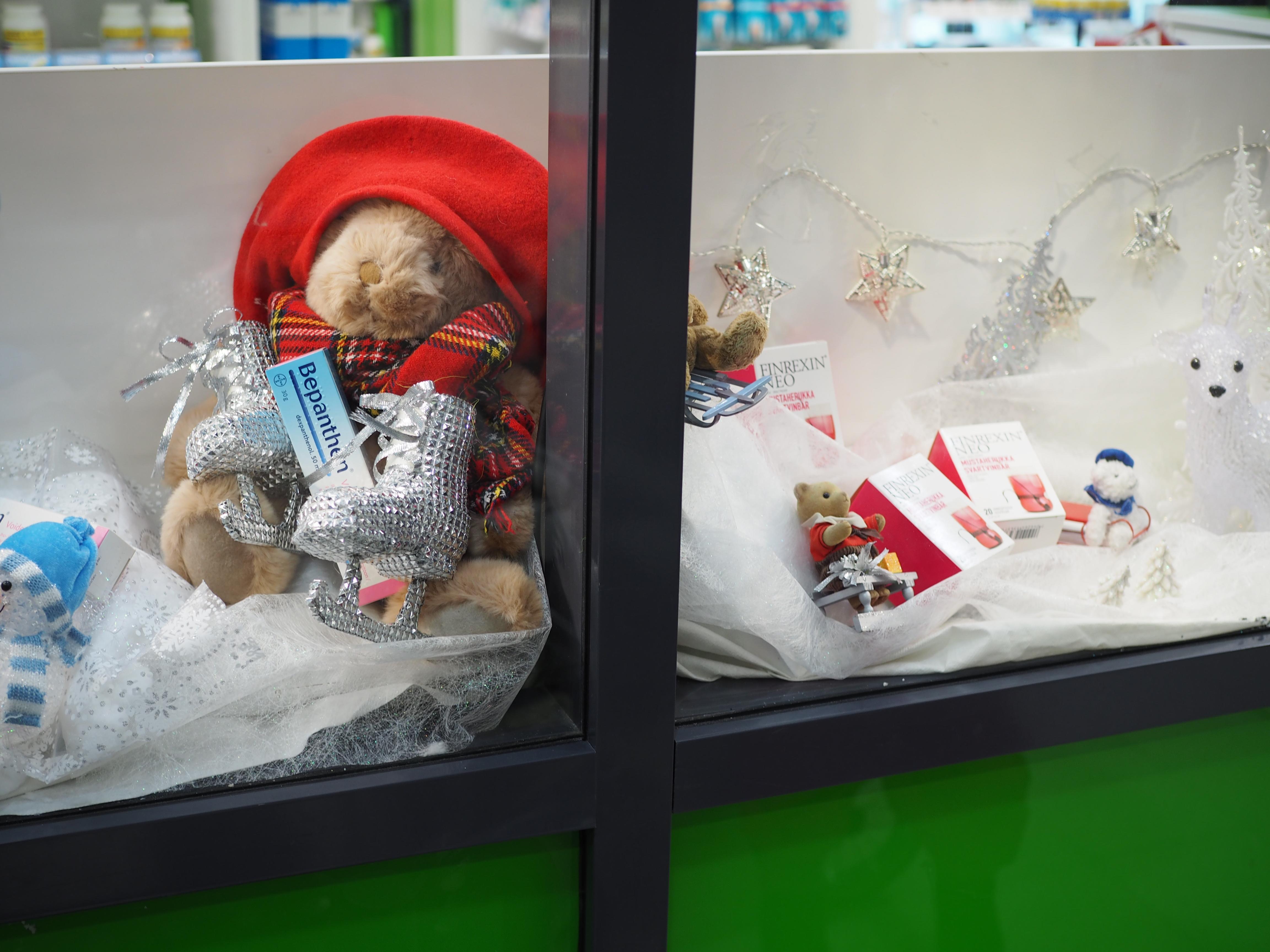 Tätä apteekin ikkunaa lapset haluavat aina ihastella..