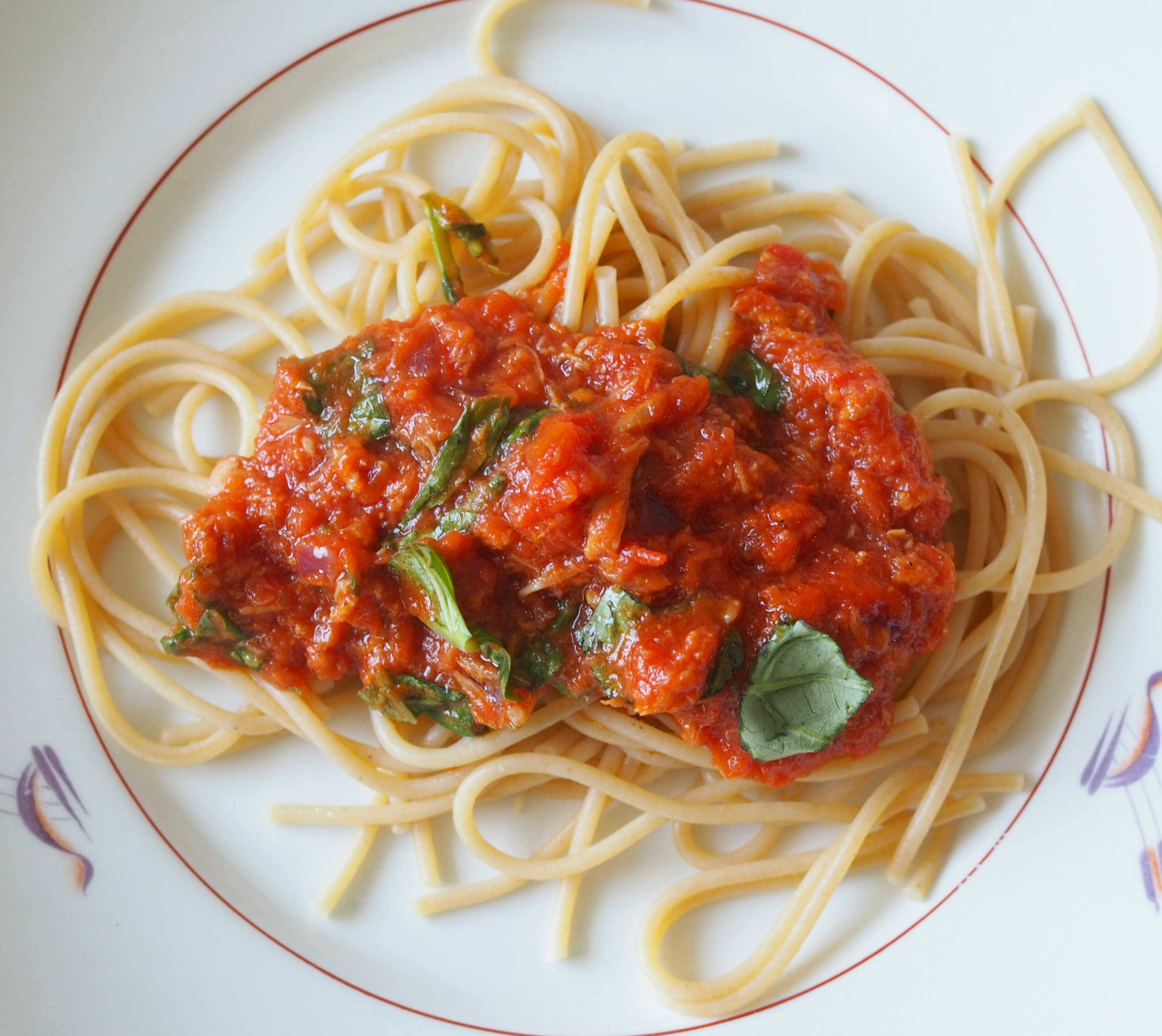 tomaattinen tonnikalapasta