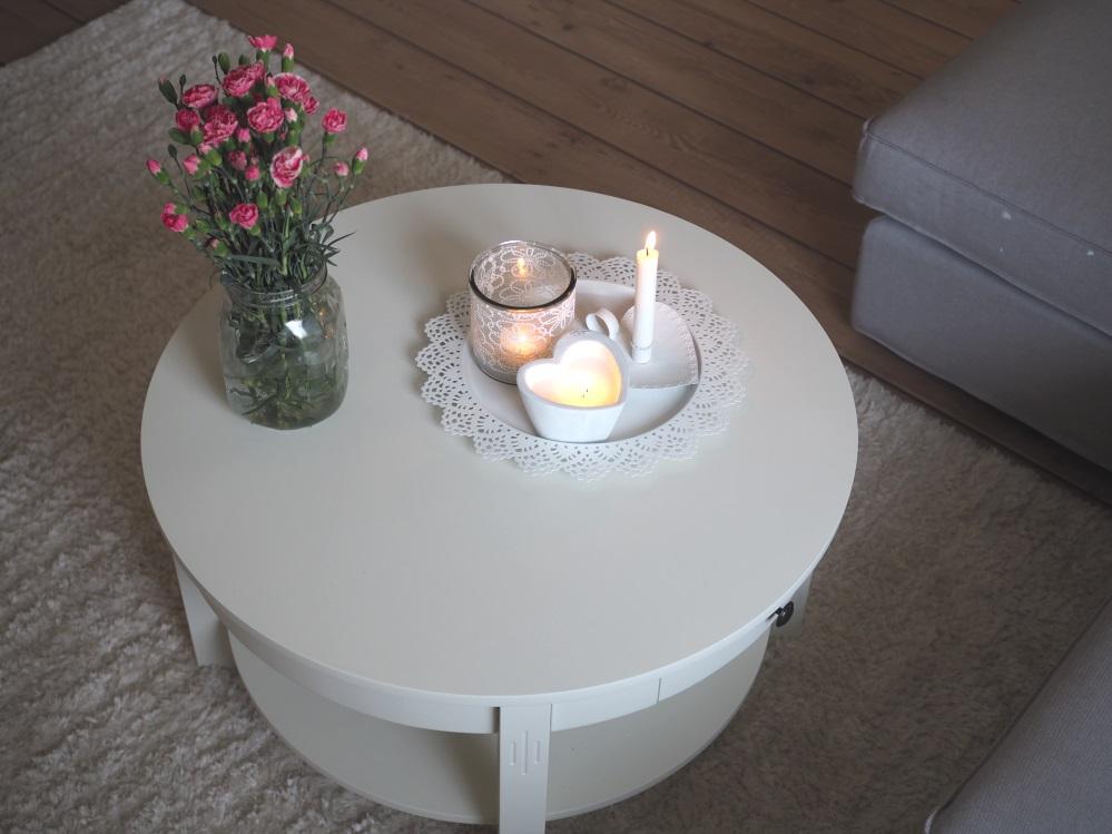 pyöreä sohvapöytä