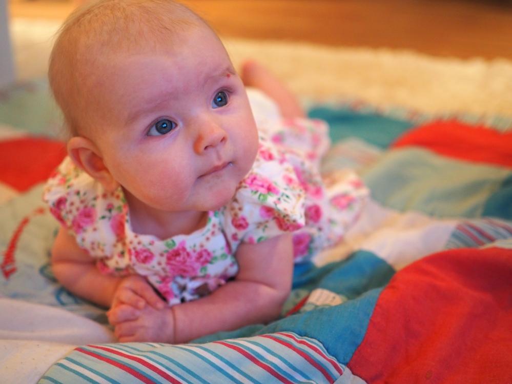 vauva 4 kuukautta